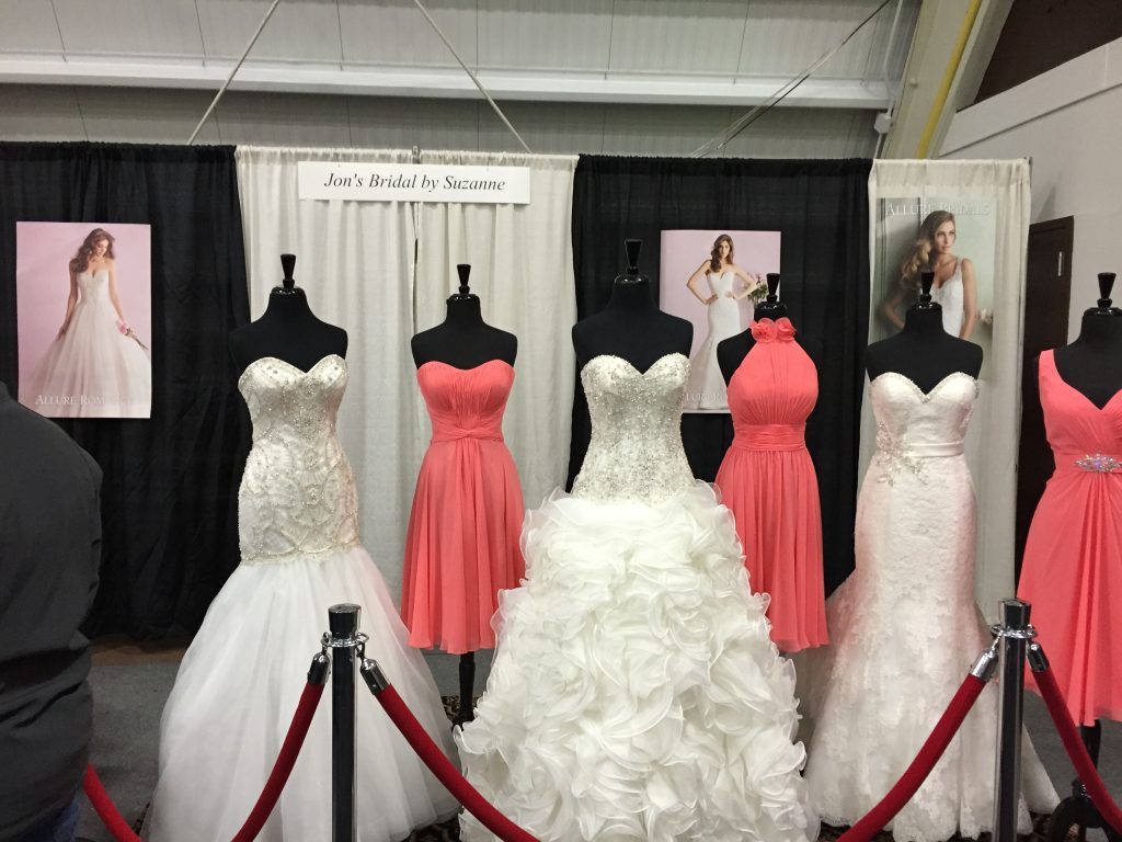 74 best Bridal Show Booth & Tablescape Ideas images on ...